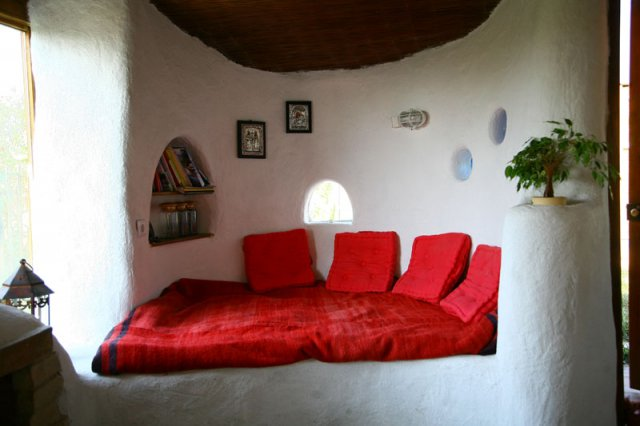 Cob Houses: Interview with Cob.gr (4/6)