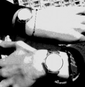 Last spring my partner and me decided to get matching watches. But we hate watches. So this is pretty much one of the 3 pictures we have wearing them.