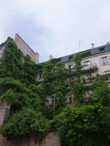 A truly green facade