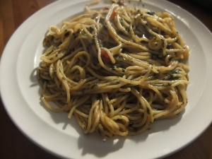 Light spinach pasta