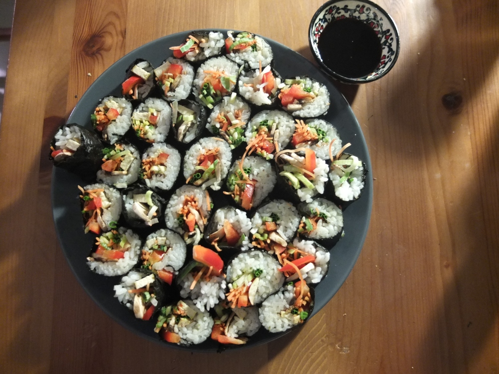 Fish-free Sushi (and: is nori vegan?) (2/5)