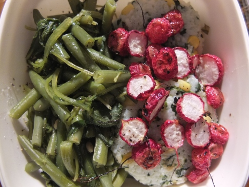 Steamed green beans, radish greens, a left-over rice patty and roasted radishes make an excellent lunch box.