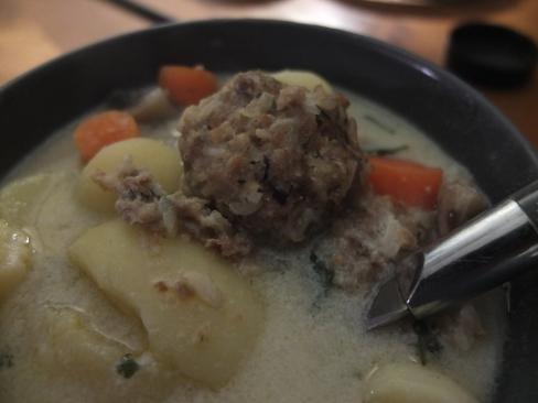 Veg giouvarelakia (no-meat meatballs in lemon sauce)